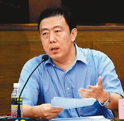 李国梁坦诚表示,企业家与政府官员的角色有不同