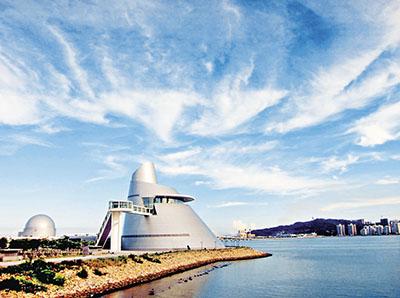 ■澳门科学馆是世界著名美籍华裔建筑师贝聿铭设计的作品