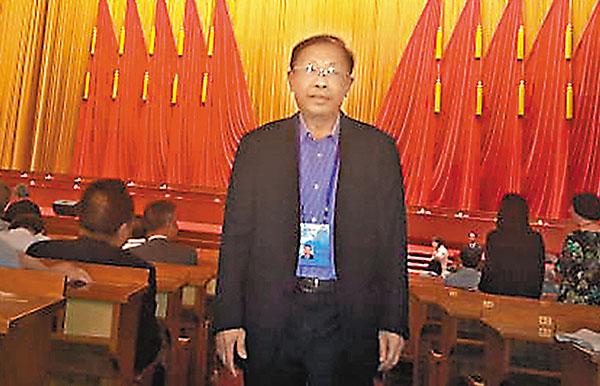 ■中國工程院首位香港院士陳清泉在北京人民大會堂參加「科技三會」。本報北京傳真