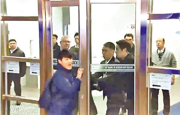 ■馮敬恩被警方拘捕,涉嫌與今年1月衝擊校委會的行動有關。 資料圖片