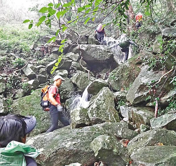 ■大石石澗部分山澗陡峭,攀爬有一定危險。 網上圖片