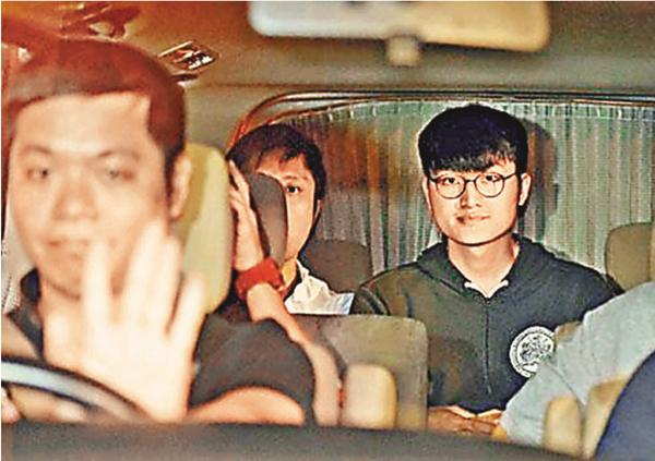 ■馮敬恩被捕後,前晚被押返西區警署通宵扣查。