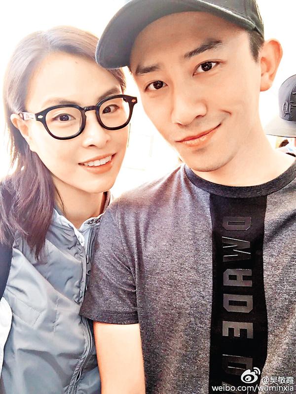 ■吳敏霞(左)與她的帥哥。