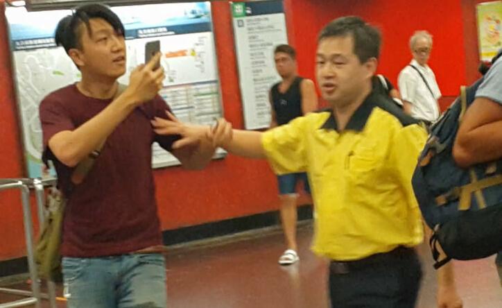 梁天琦涉嫌惡意打記者。