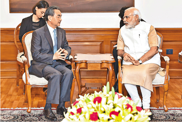 ■莫迪13日在新德里總理府會見王毅。新華社
