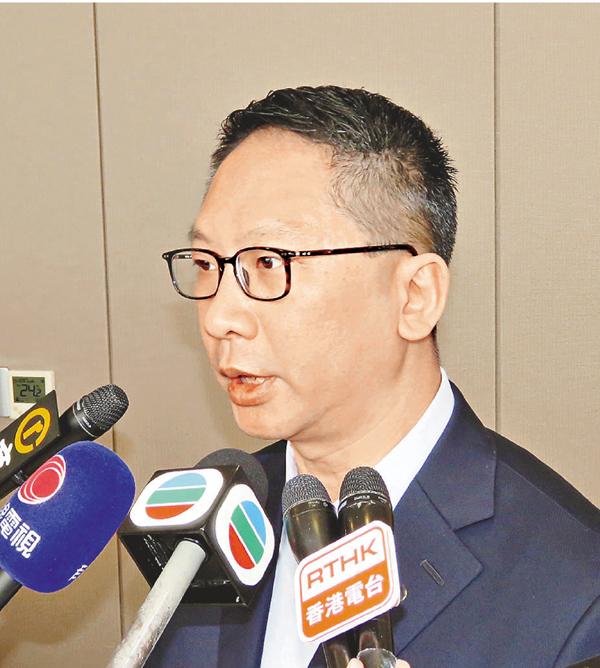 ■袁國強昨日強調,立法會選舉並非如坊間所說的是「政治篩選」。