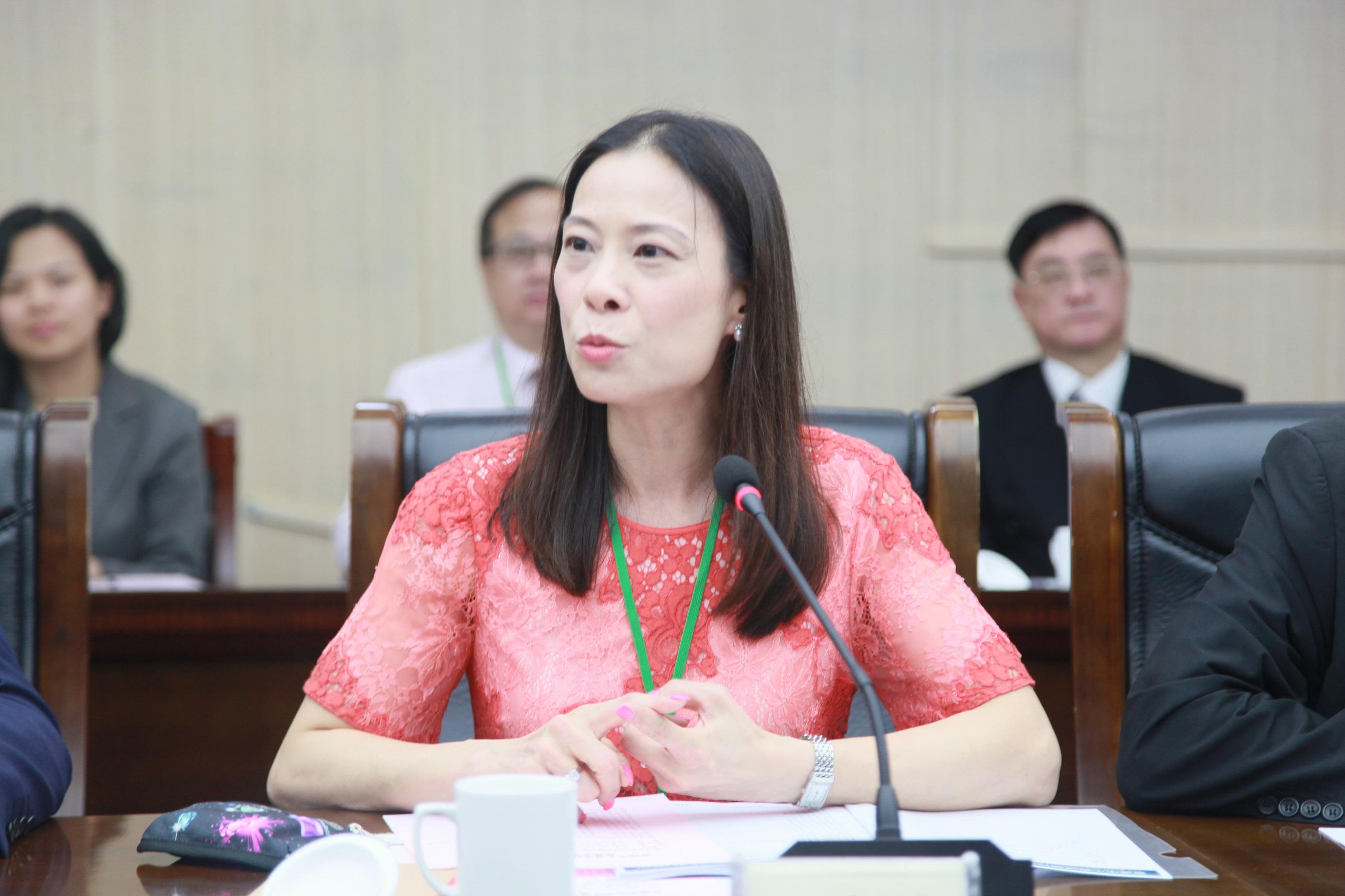 本報河南傳真 香港中小型律師行協會創會會長陳曼琪