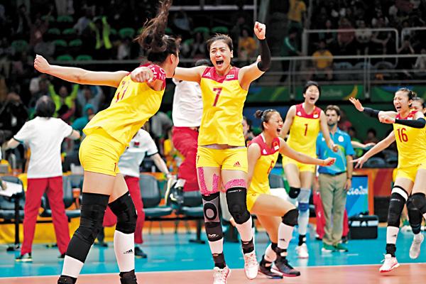■中國女排時隔12年後再獲奧運金牌。 中新社