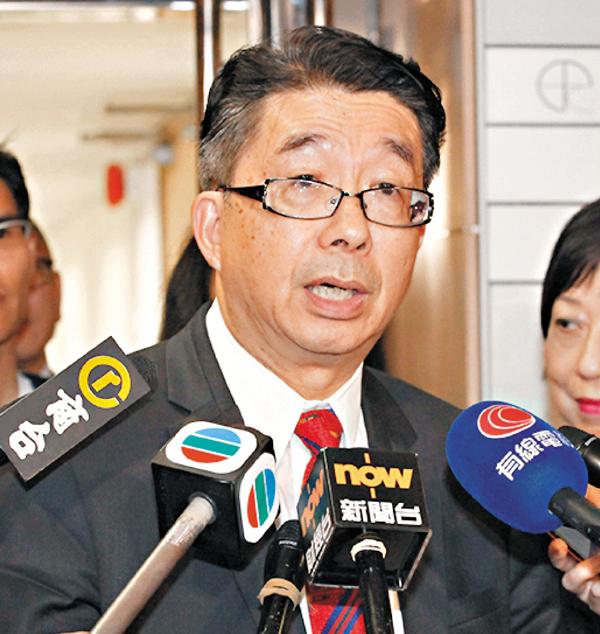 ■鄒秉恩會後表示無須就「港獨」議題修改《香港教育專業守則》。曾慶威  攝