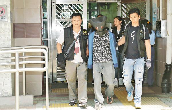 ■裝修工程公司東主在樂華南�h寓所被拘捕。