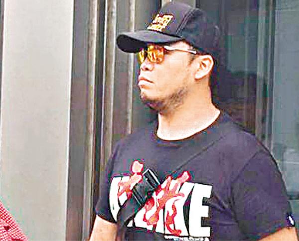 ■「熱血公民」李政熙昨承認襲擊罪後保釋離庭。