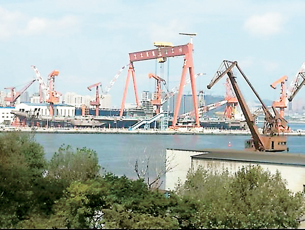 ■網上流傳的照片顯示,中國國產001A航母的主體建造工程已經結束。網上圖片