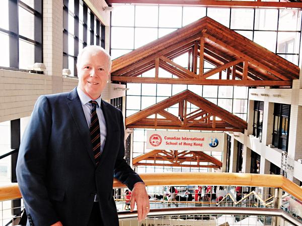 ■香港加拿大國際學校新任臨時校長白德偉(David Baird)分享學校的發展大計。 黎忞  攝