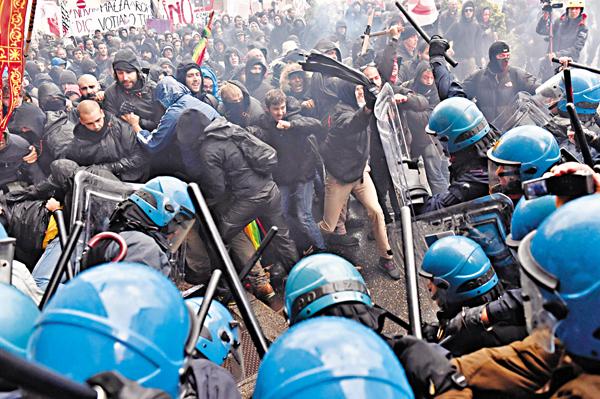 ■佛羅倫斯11月初爆發暴力示威,反對憲法改革。 資料圖片
