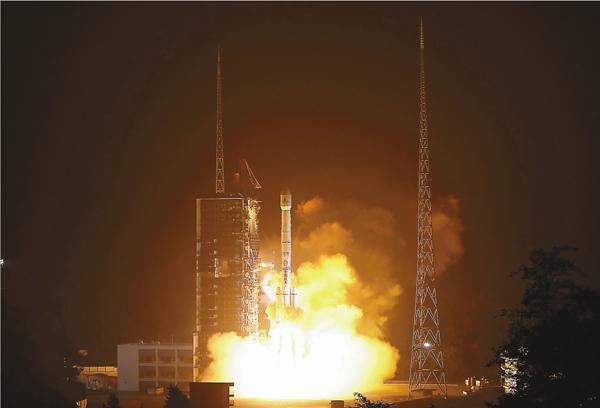 ■中國「風雲四號」氣象衛星昨成功發射升空。 新華社