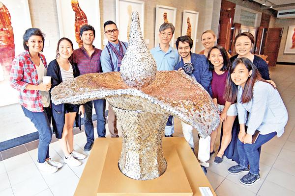 ■薩凡納藝術設計大學學生創作雕塑以慶祝「零錢布施」25周年。 校方供圖