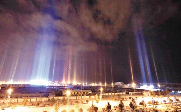 ■內蒙古二連浩特市出現日柱現象。    中新社