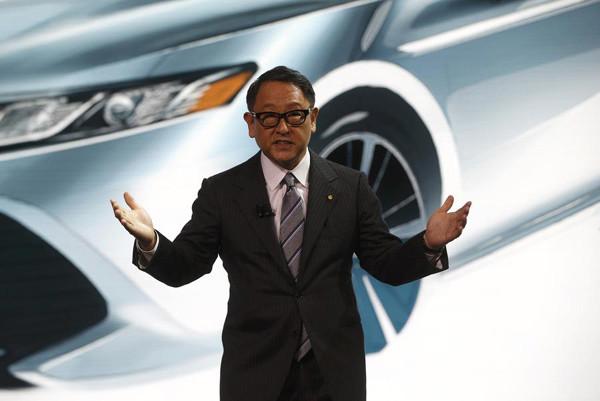 豐田汽車公司社長豐田章男1月9日在美國底特律北美國際車展會場舉行記者會。