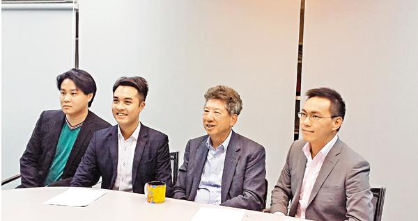 ■「民主思路」昨與傳媒會面,左起:袁彌昌、黃梓謙、湯家驊及麥嘉�R。 鄭治祖  攝