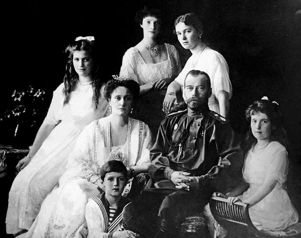 ■俄國沙皇尼古拉二世及家人 。 作者供圖