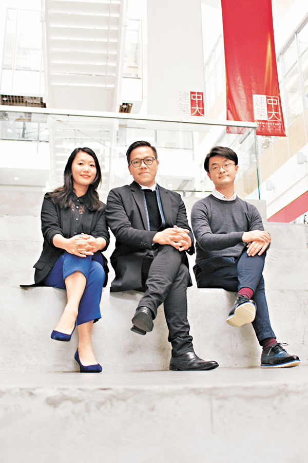 ■左起:梅詩華、王建明、池璟希。柴婧  攝