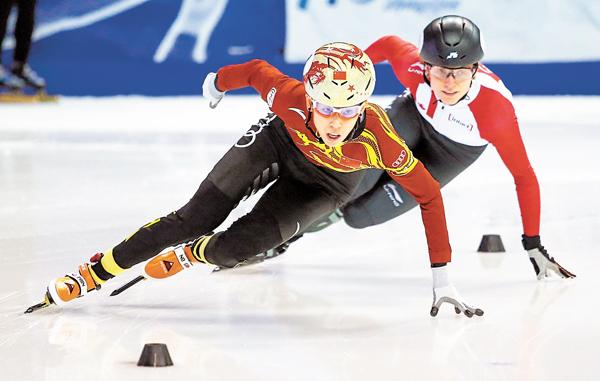 ■范可新(左)將再征冬奧會。資料圖片