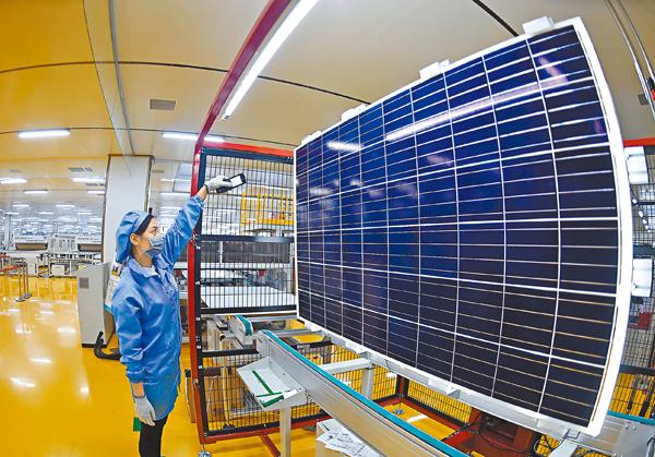 ■中美貿易摩擦可能集中在中國沒有明顯比較優勢或處於產能過剩的行業,比如光伏、鋼鐵、玻璃、電解鋁等。 資料圖片