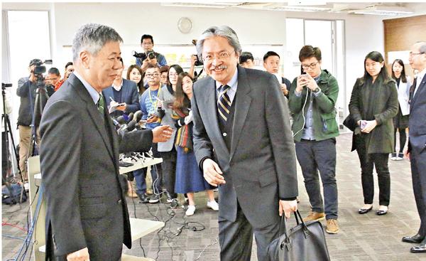 ■曾俊華出席工總的座談會。彭子文  攝
