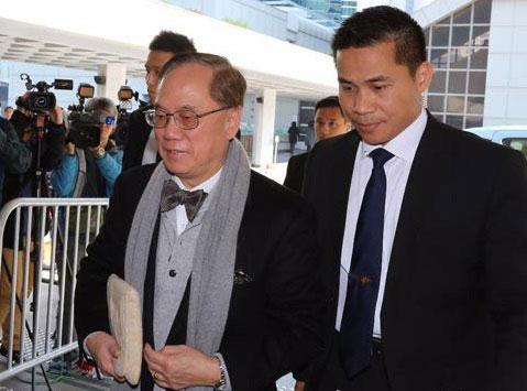 曾蔭權(左)成為首位被判罪香港前特首(資料圖片)