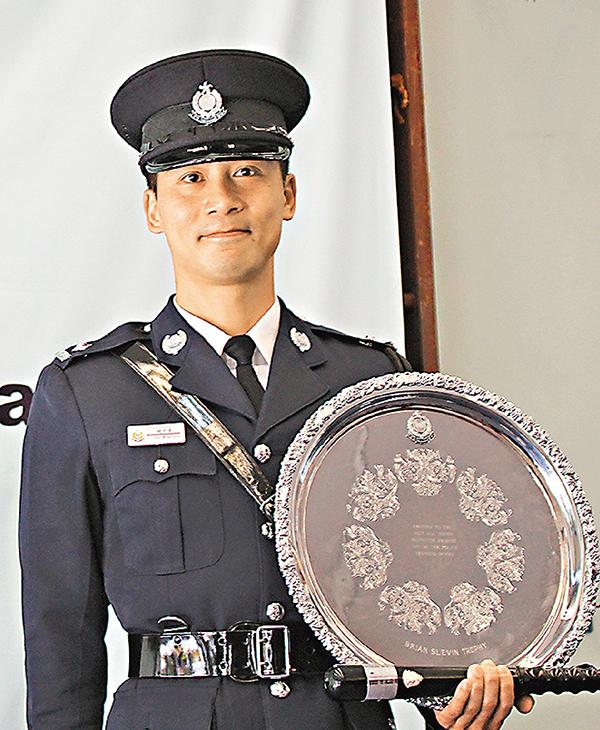 ■應屆最佳見習督察趙明康表示,已捐錢幫助七名同袍。莊禮傑  攝