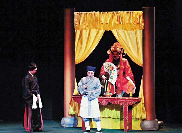 ■阮兆輝在《大鬧廣昌隆》一劇中,演具正義感的小人物絨線仔。