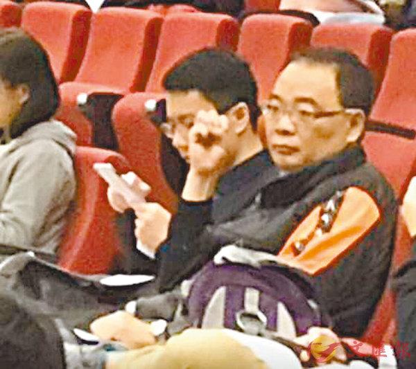 ■「香港藏漢文化協會」總幹事沈四海低調「隱身」在聽眾席上。