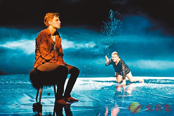 ■波蘭托倫國際戲劇節2016最佳導演雅娜•羅斯及冰島的雷克雅未克城市劇場聯手呈獻的《海鷗》。