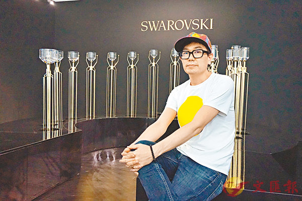 ■Yuri Suzuki以前衛概念和先進技術創作仿水晶設計作品。張岳悅 攝