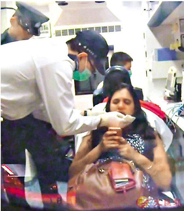 ■的士拒載拋印度女乘客落車逃去。