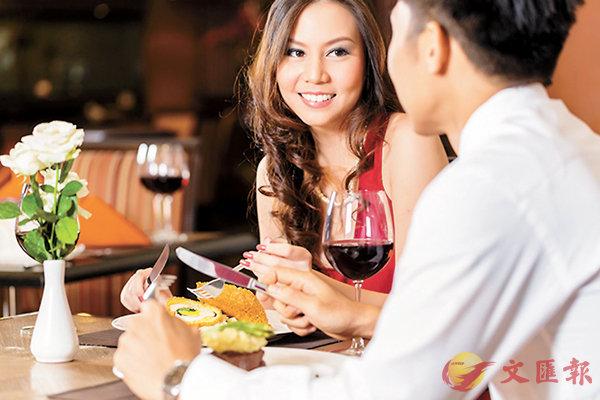■歐洲人食�狫縐s,情侶間也絕少分享自己碟上的食物。 資料圖片