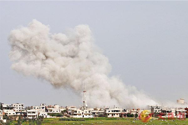 ■美軍導彈襲敘力度被指是「打手板」,敘政府軍繼續肆意轟炸反對派。 法新社