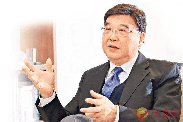 ■黃玉山認為,香港回歸祖國令本港大學教育更趨多元化。彭子文 攝