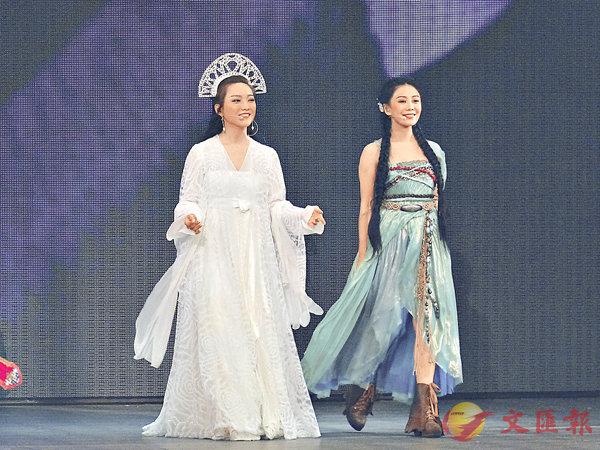■閻奕格和胡琳在音樂劇中唱功了得。