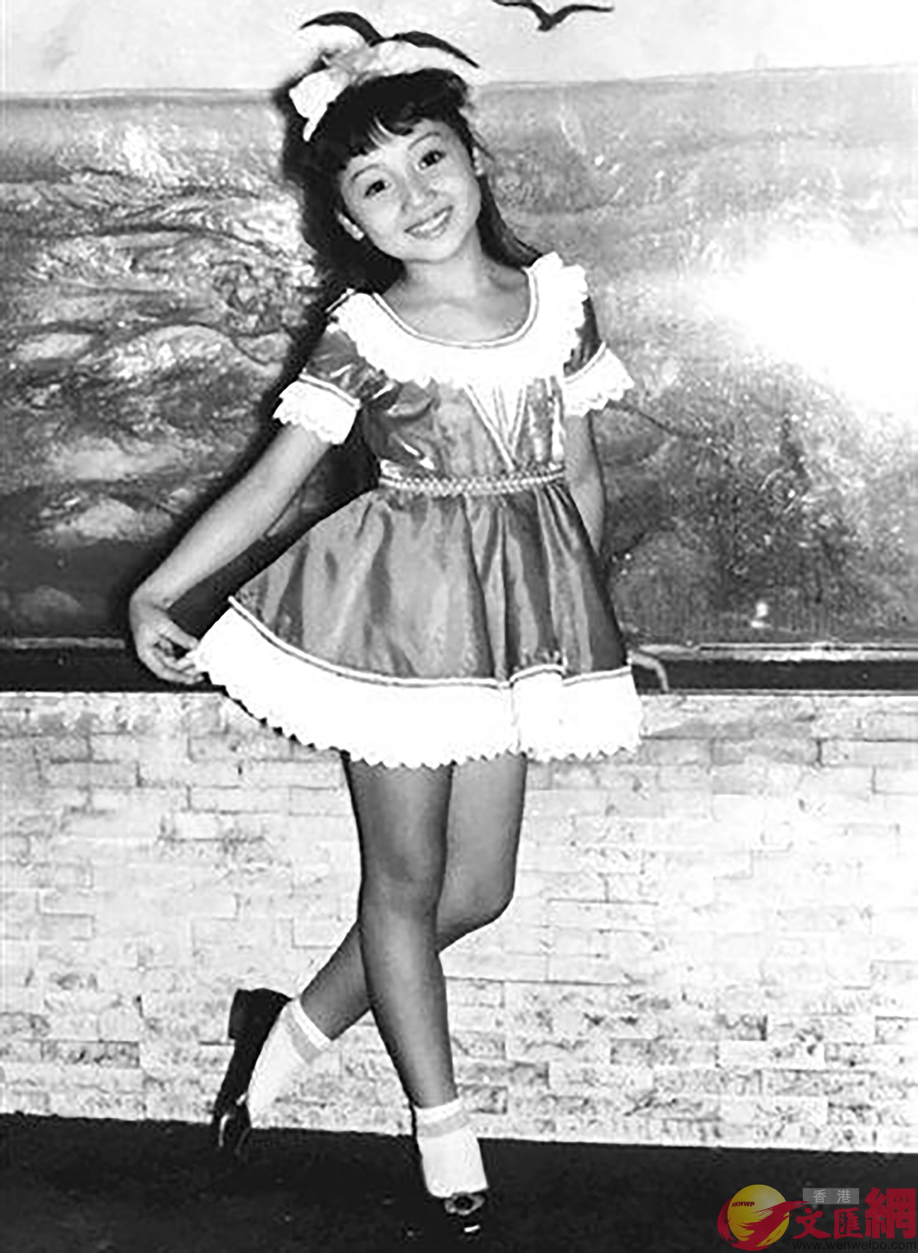 童年時的張德蘭已開始學習舞蹈 (網絡圖片)