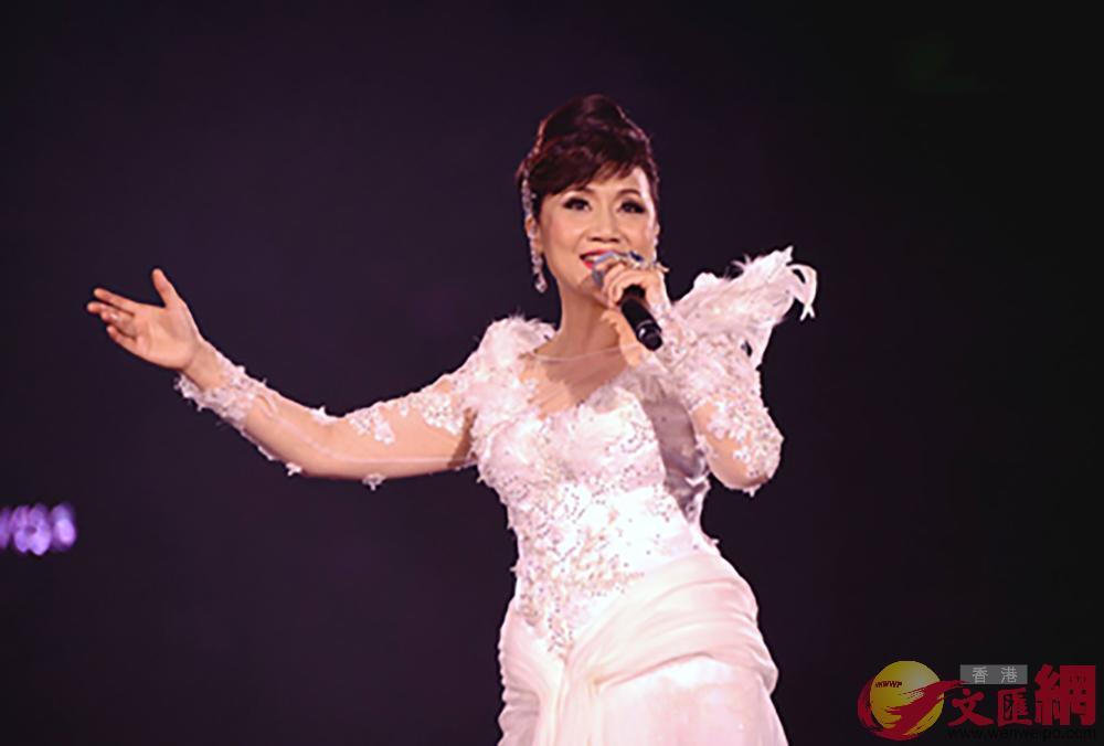 2016年,張德蘭參與 《樂壇詞聖 盧國沾作品演唱會》演出(網絡圖片)