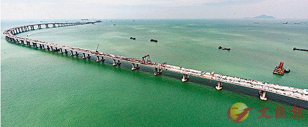 ■港珠澳大橋香港接線料於本月內全線貫通。