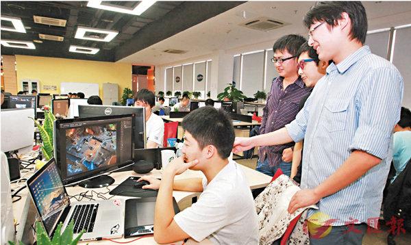 ■成都尼畢魯科技公司年輕的研發團隊。 本報四川傳真