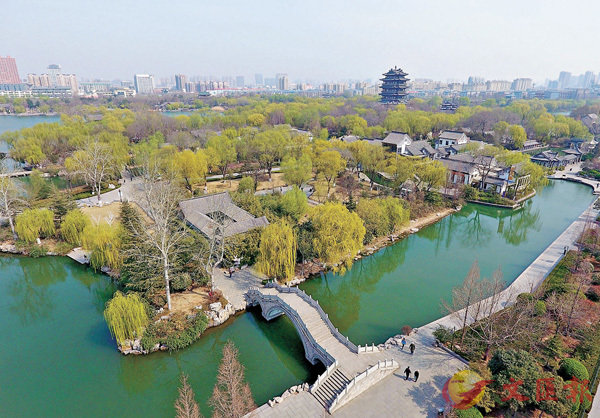 ■濟南大明湖景區春色盎然    新華社