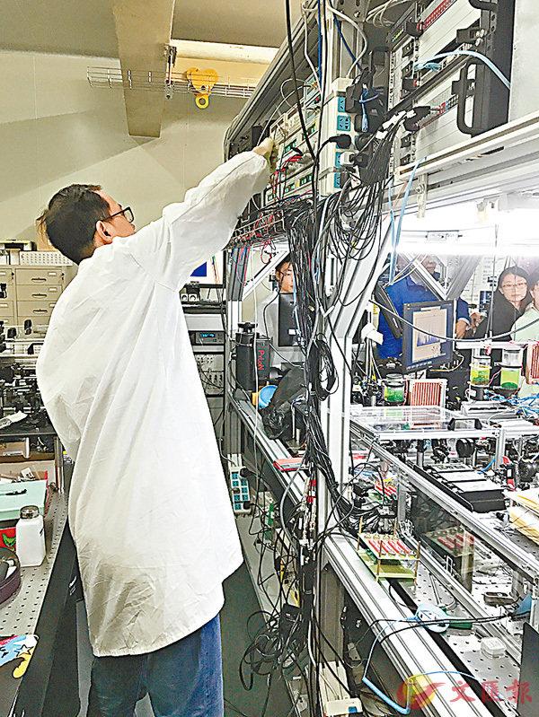 ■首台超越早期經典計算機的光量子計算機在中國誕生。記者孔雯瓊 攝