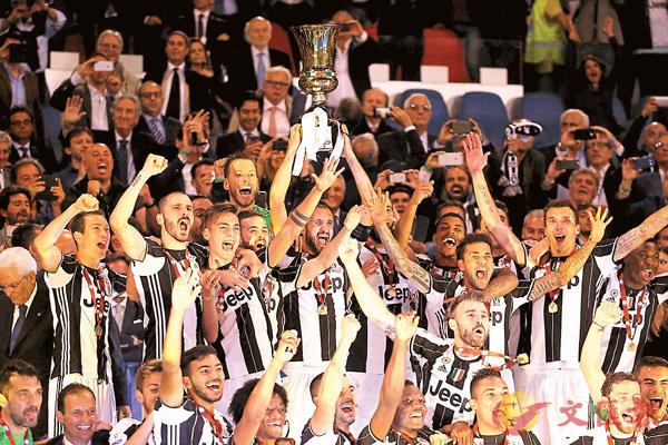 ■祖記擊敗拉素,贏得意大利盃冠軍。  路透社