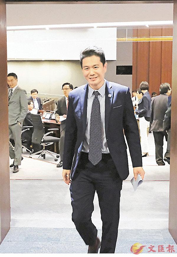 ■周浩鼎昨日辭去專責委員會所有職務,並獲接納。 香港文匯報記者梁祖彝  攝