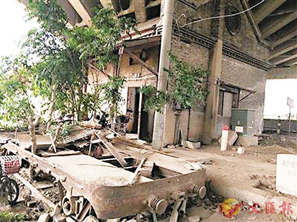 ■近日,具有106年歷史的南京文保建築浦鎮火車站遭人拆改破壞。 網上圖片