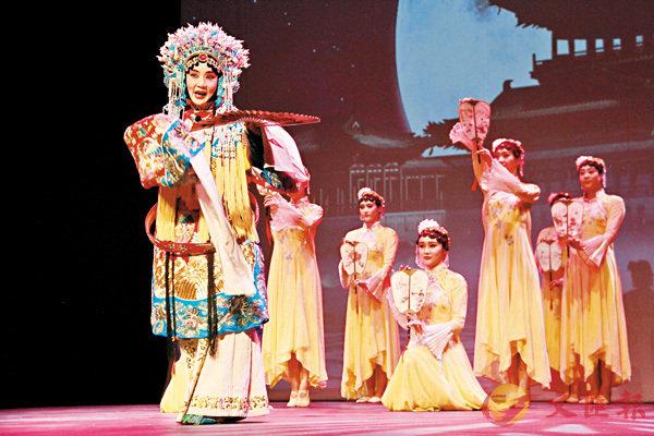 ■江蘇藝術團表演京劇《貴妃醉酒》選段。