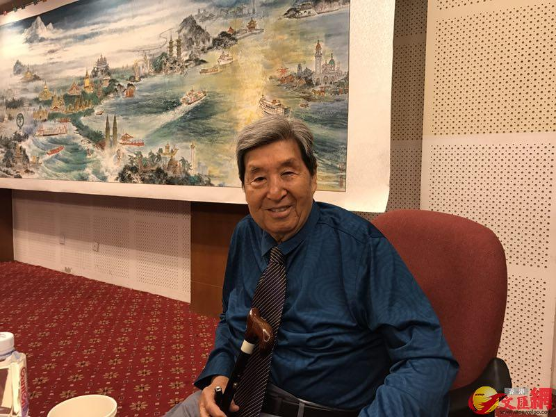 中國畫海第一人、著名畫家李海濤,王美晴攝